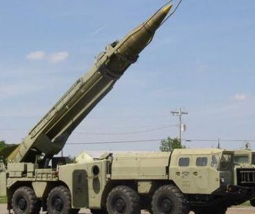 الحوثيون يطلقون صاروخ بالستي ناحية السعودية من منطقة سحار في صعدة