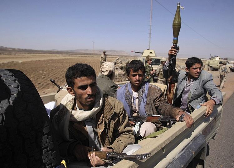 المليشيا تشن حملة اختطافات واقتحامات لمنازل مواطنين في بعدان شرق إب