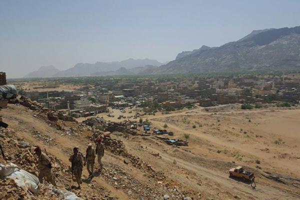 مقتل 7 جنود وإصابة 10 بقصف للحوثيين على مواقعهم غربي مأرب