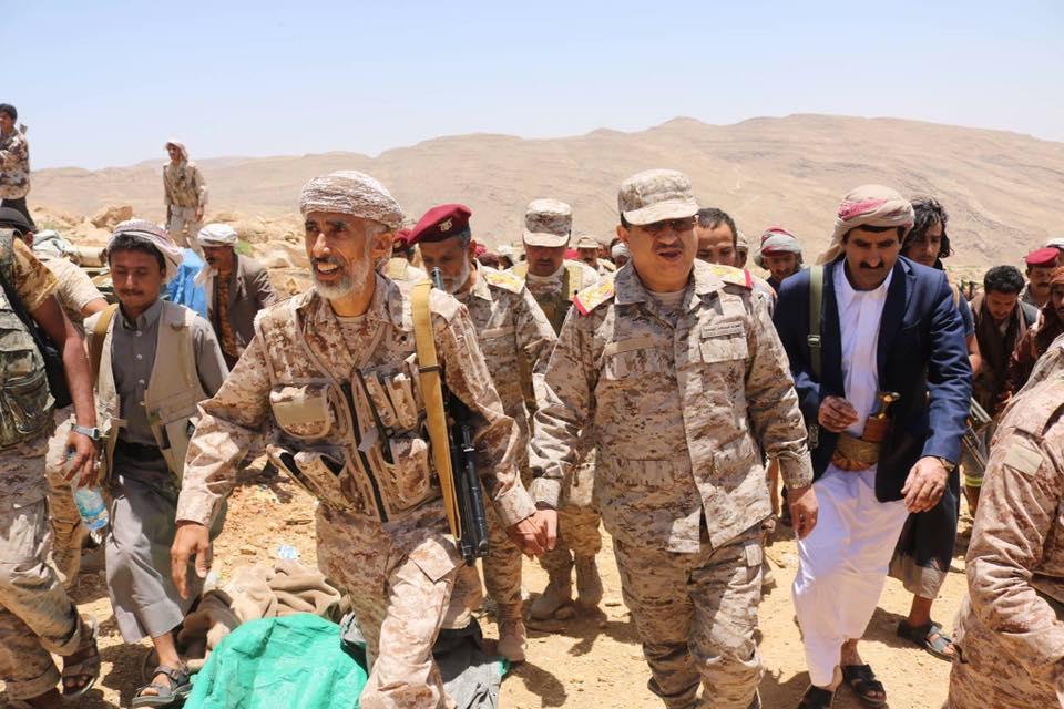 اللواء المقدشي يؤكد الالتزام بالهدنة ويطلع على خروقات الانقلابيين شرق صنعاء