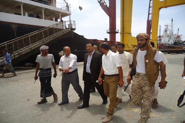 استعدادات حكومية لتشغيل قطاعات النقل البحري والجوي والبري