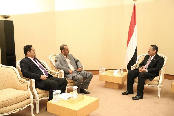 رئيس الوزراء: إطلاق سراح وزير الدفاع وكافة المعتقلين قضية لا تنازل عنها