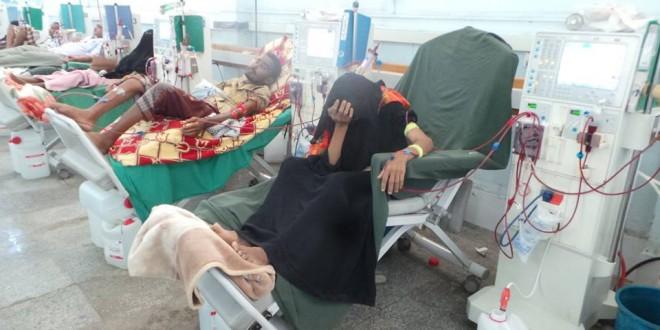 الحوثيون ينهبون خمس شاحنات أدوية تابعة لمستشفى الثورة بتعز
