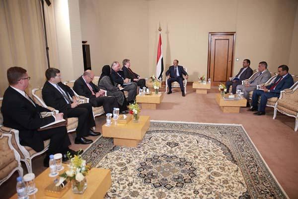 نائب الرئيس:أولويتنا مكافحة الإرهاب وإنهاء الانقلاب