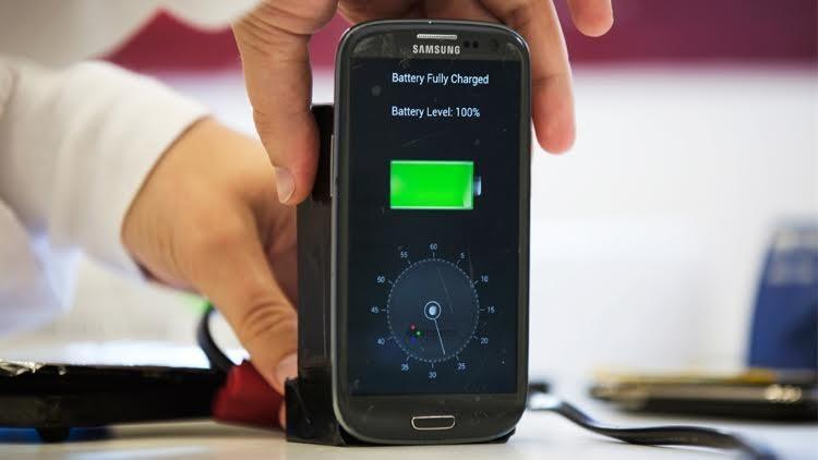 اكتشاف جديد لإطالة عمر بطارية هاتفك 5 مرات أكثر