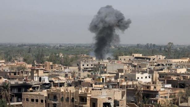 سوريا: مقتل 16 مدنياً في غارات للتحالف الدولي غرب مدينة الرقة