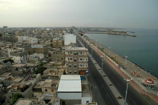 مسؤولون يمنيون: معركة تحرير الحديدة بانتظار ساعة الصفر