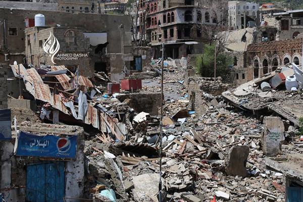 مقتل 3 وإصابة 9 آخرين بينهم مدنيين في قصف للحوثيين بتعز