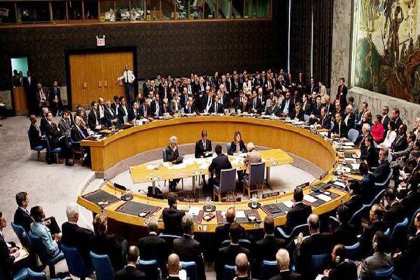 """مجلس الأمن يدعو الأطراف اليمنية إلى """"المرونة"""" للتوصل لاتفاق سلام"""