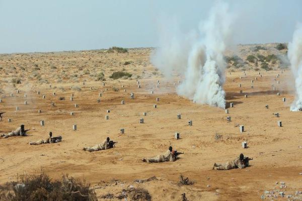 إصابة جندي في قصف لمليشيا الحوثي وصالح على مواقع الجيش بميدي