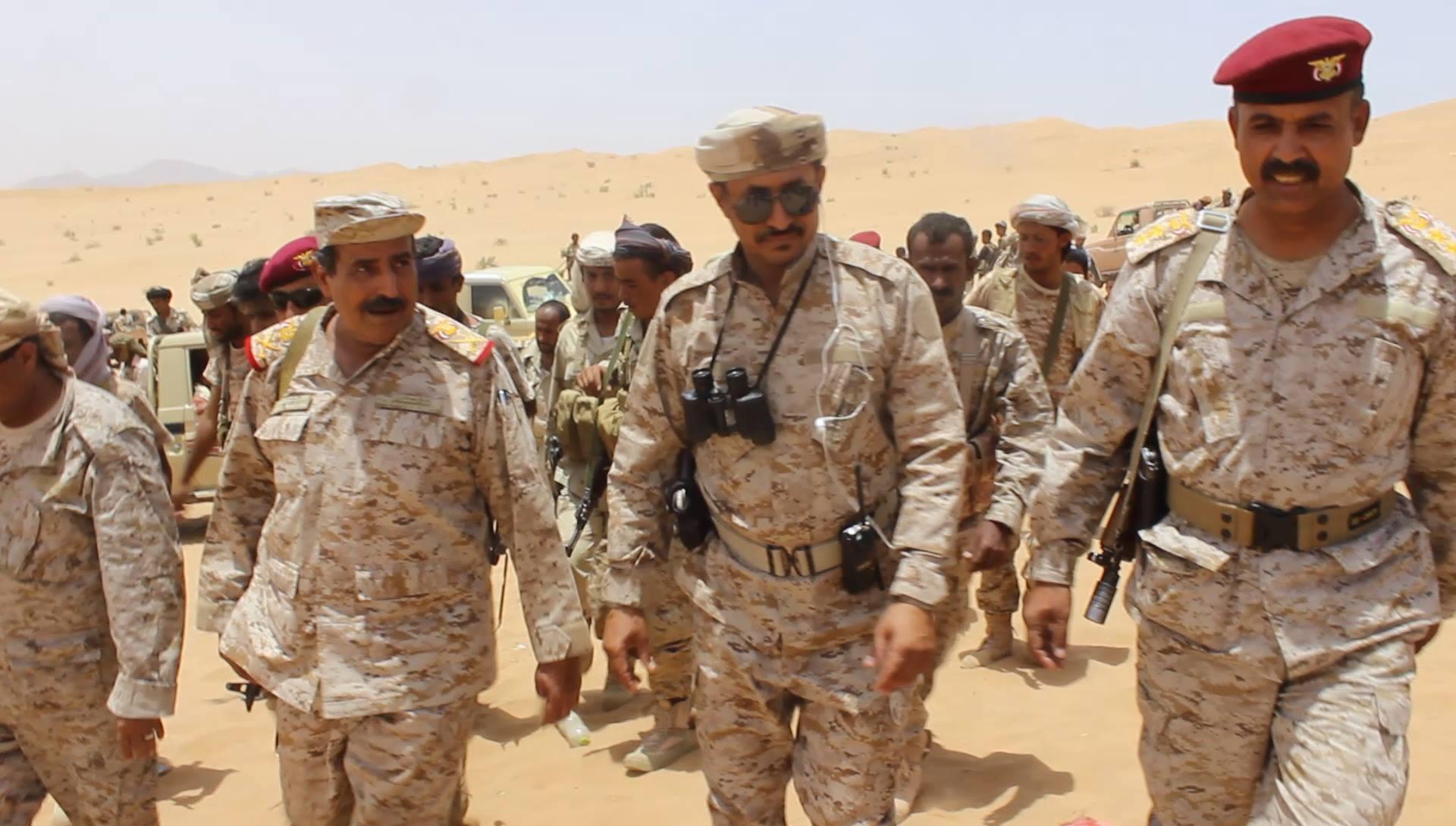 نائب رئيس الأركان يتفقد جبهات القتال في منطقة الصفراء بمحافظة شبوة