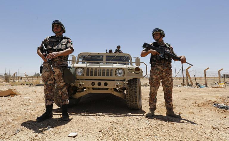 الأردن : 6 قتلى و14 مصابا بسيارة مفخخة استهدفت موقع عسكري