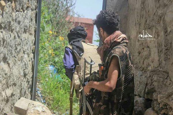 تعز: مقتل أحد أفراد المقاومة وإصابة آخرين في مواجهات مع ميلشيات الحوثي وصالح