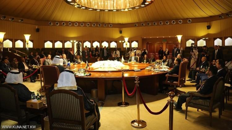 لجنة المعتقلين بمشاورات الكويت تعلق الجلسات المباشرة بسبب اتساع الخلافات ورفض الميليشيات إطلاق سجناء الرأي