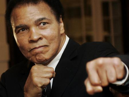 وفاة أسطورة الملاكمة محمد علي عن 74 عاما