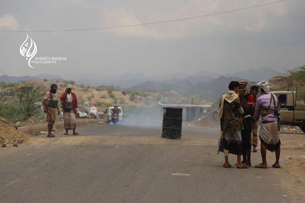 الضالع: نقطة أمنية تابعة للمقاومة الجنوبية تحتجز 15 مجنداً كانوا في طريقهم إلى مأرب