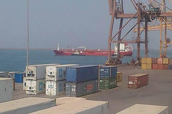 مسؤول أممي:منحنا 110 ترخيص لدخول البضائع لميناء الحديدة