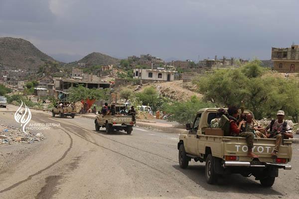 مقتل 20 من مليشيات الحوثي وصالح بينهم قيادي بارز في تعز