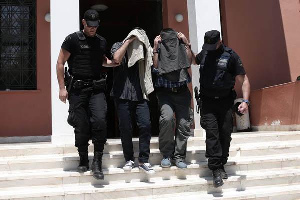 محكمة تركية تحبس ? جنرالات و? ضباط متهمين بالانقلاب