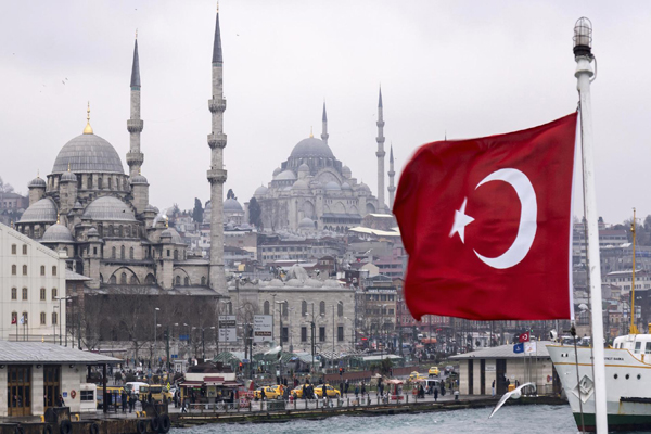 الاقتصاد التركي صامد بعد الانقلاب والليرة تتعافى