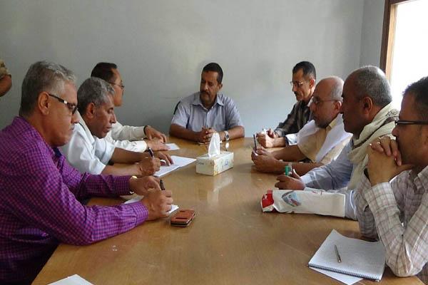 إدارة شرطة تعز تلتقي قيادة أحزاب اللقاء المشترك لمناقشة الوضع الأمني