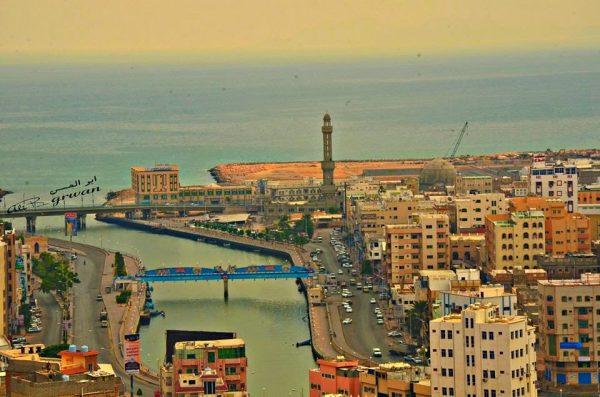 حضرموت: إنقاذ ثلاثة أطفال من الغرق في البحر والبحث عن رابع مفقود
