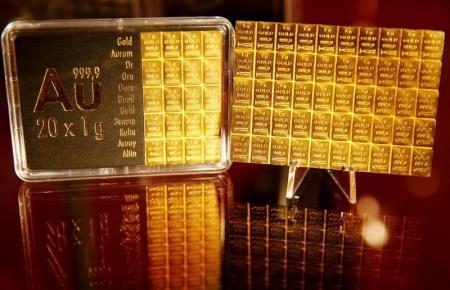 الذهب يصعد من أدنى مستوى في 10 أشهر مع انخفاض الدولار