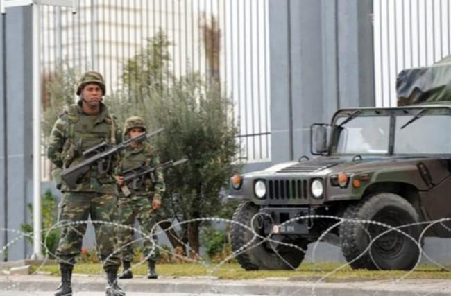 الجيش التونسي يقتل مسلحين اثنين في اشتباكات قرب الحدود مع الجزائر