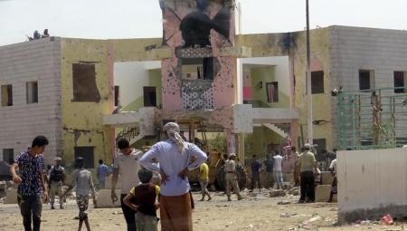 عدن: مقتل ثلاثة جنود وإصابة اثنان في انفجار عبوة ناسفة بالشيخ عثمان