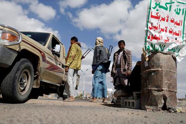 الحوثيون يشنون حملة اختطافات في أرحب شمال صنعاء