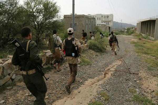 تعز: الجيش الوطني يسيطر على مواقع جديدة جنوب المدينة