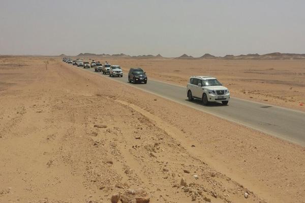 تشكيل لجنة بالمهرة لحل مشكلة السيارات المحتجزة بالمنافذ