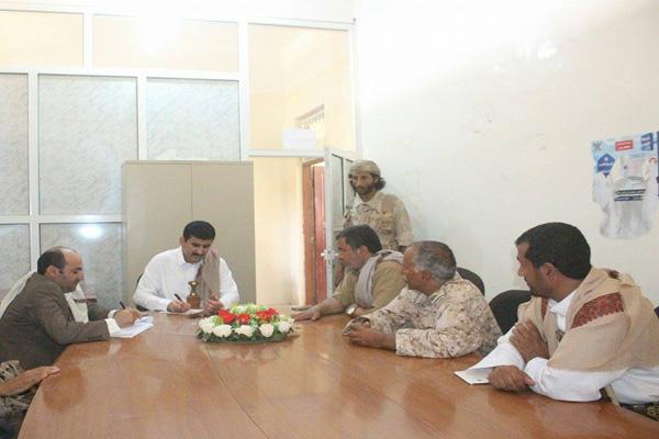 محافظ صنعاء يناقش الترتيبات الأمنية لمديريتي نهم وبني ضبيان