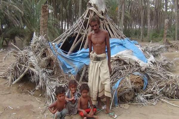 الحديدة: قرية منكوبة تناشد المنظمات إنقاذها من كارثة الإعصار(صور)