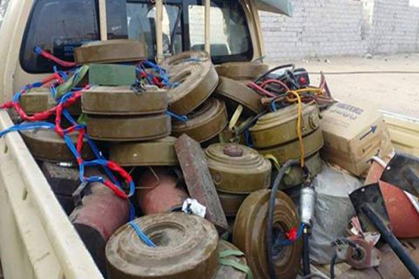 عدن: مقتل اثنين من جنود الأمن وإصابة آخرين في انفجار لغم أرضي غرب المدينة