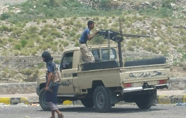 """قائد محور تعز لـ""""يمن شباب نت"""" الجيش الوطني سيطر على أربعة مواقع جنوب مدينة تعز"""