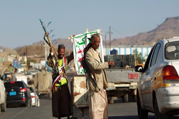 ذمار: مليشيا الحوثي تلزم قيادات المؤتمر إرسال مقاتليهم إلى جبهات القتال في نهم ودعوات للمواطنين في المساجد