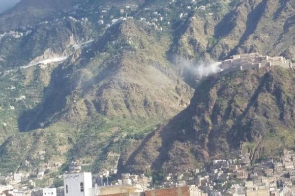 مقتل وإصابة 12 من مليشيات الحوثي وصالح بمواجهات في تعز