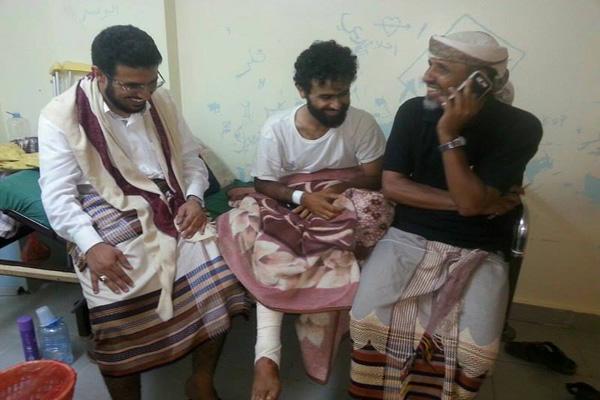 محافظ البيضاء يزور جرحى المقاومة بمحافظة عدن
