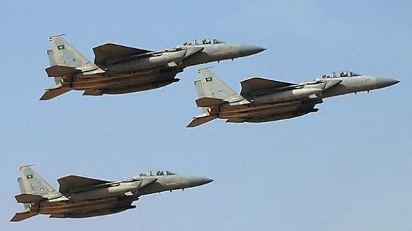 مقاتلات التحالف تدمر ثمانية أطقم للحوثيين محملة بالأفراد والذخائر شرقي صنعاء