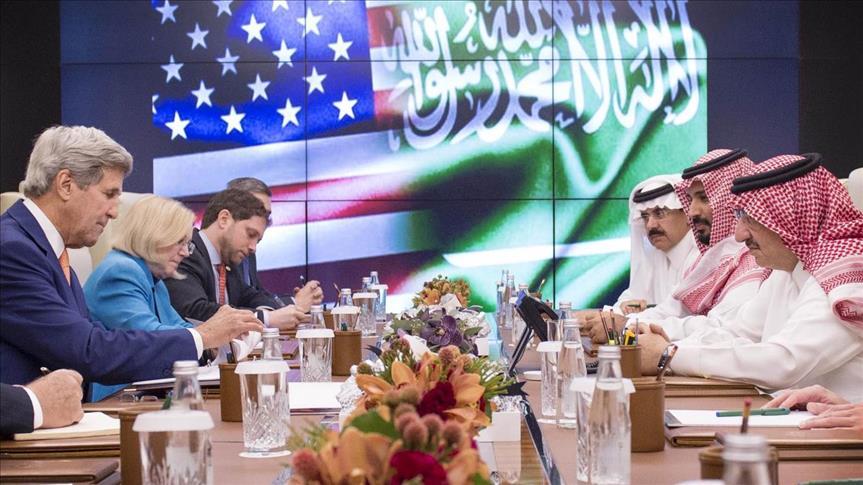ولي العهد السعودي يلتقي كيري قبل ساعات من اجتماع بشأن اليمن بمشاركة روسية
