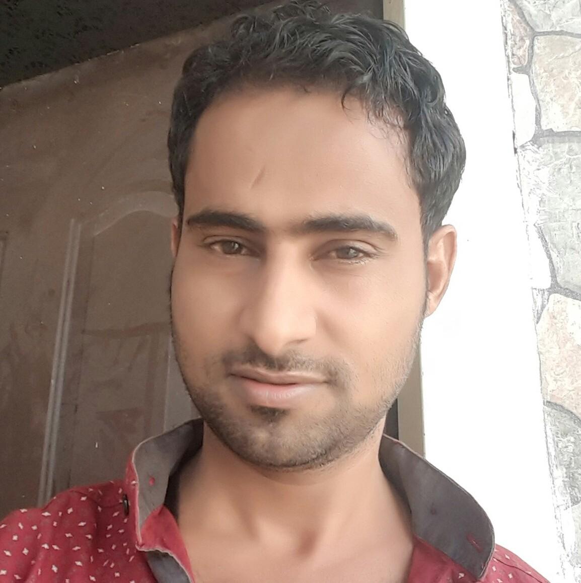 نقابة الصحفيين تدين اختطاف مليشيا الحوثي لوالد مراسل قناة بلقيس بحجه