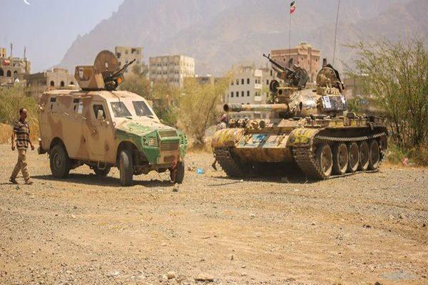 تعز: قوات الجيش تسيطر على مواقع جديدة شرق المدينة وتفكك 12 عبوة ناسفة