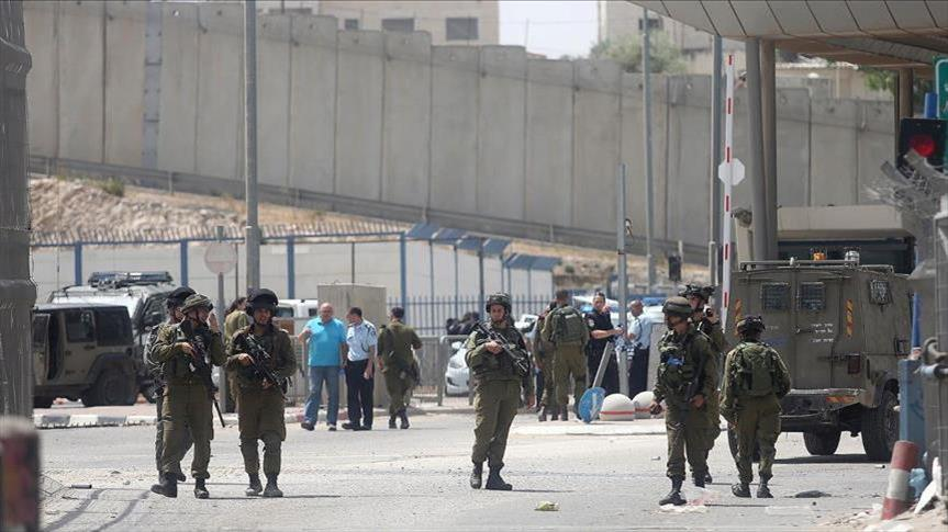 الاحتلال الإسرائيلي يعتقل 11 فلسطينياً بالضفة الغربية