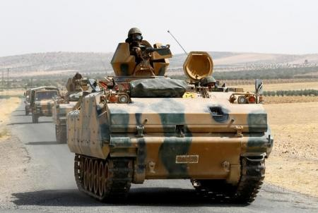 تركيا تستبعد نهاية سريعة للتوغل في سوريا ومقتل 11 شرطيا في هجوم بشاحنة ملغومة