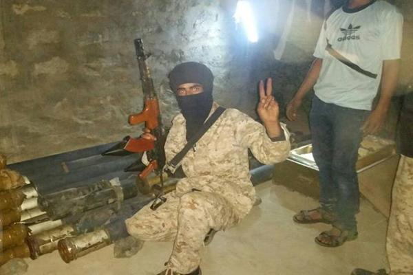 الحزام الأمني يضبط مخزن للأسلحة في يافع ويمنع إطلاق النار في الأعراس