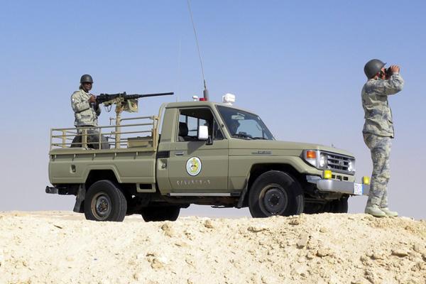 مقتل رجل أمن سعودي بقصف للحوثيين على جازان