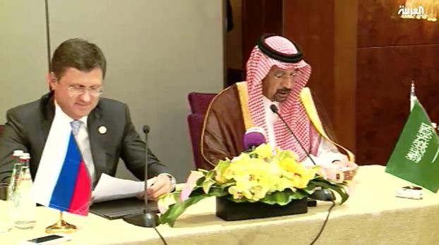السعودية وروسيا توقعان اتفاقا بشأن النفط وقد تكبحان الإنتاج