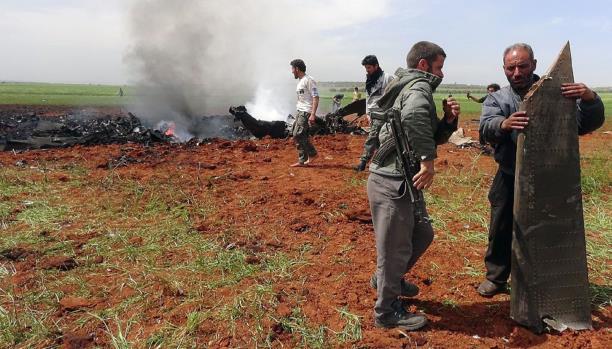 مقتل ضابطين للنظام بتحطم طائرة أسقطتها المعارضة السورية