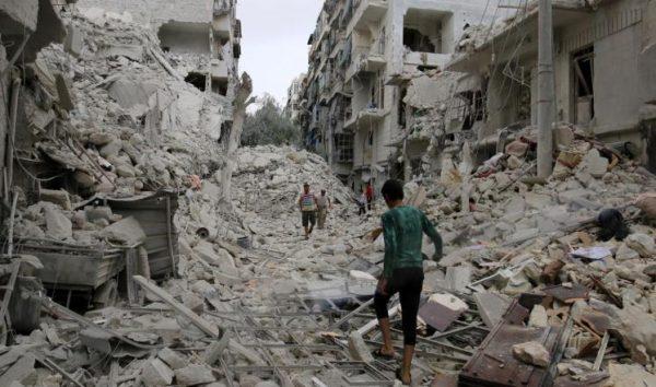 سوريا: النظام يواصل تصعيده بحلب ويهاجم برا